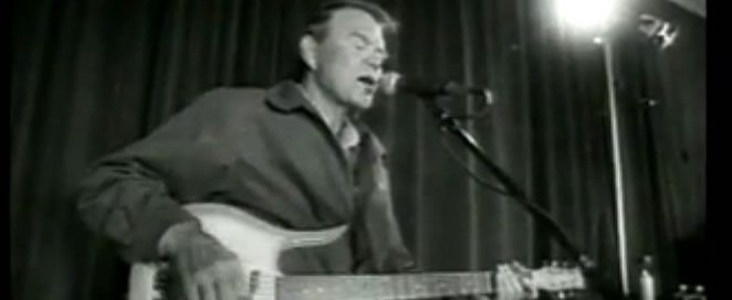 """Glen Campbell, together with The Stone Temple Pilots, play Jimmy Webb's """"Wichita Lineman"""""""
